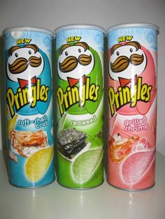 Weird food flavors not available in the U. Soft-shell crab, seaweed, and grilled shrimp Pringles in Asia Potato Chip Flavors, Potato Chips, Japanese Snacks, Japanese Food, Pringle Flavors, Cute Food, Yummy Food, Chip Company, Soft Shell Crab