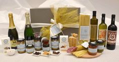 Delicious Italian Specialties Gift Hamper https://goo.gl/JXc4wk #sparklingwine #jams #chocolate #cheese #parmigianoreggiano #pasta #salami #sauce #oil #wine #sweet #italian #food