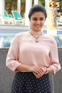 Keerthi Suresh Latest Hot Spicy Glamourous PhotoShoot Images In Light Pink Top South Actress, South Indian Actress, Beautiful Indian Actress, Beautiful Actresses, Beautiful Celebrities, Punjabi Actress, Bollywood Actress, Actress Anushka, Tamil Actress