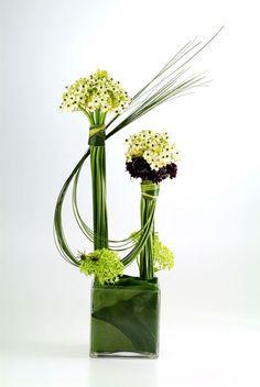 line design in floral arrangement | ... Flower Arrangement and learn new techniques of flower arrangement