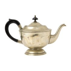 Jayson Home Vintage Silver Teapot (1.200 ARS) ❤ liked on Polyvore featuring home, kitchen & dining, teapots, filler, silver teapot, jayson home, vintage silver teapot, vintage tea pots and silver tea pot