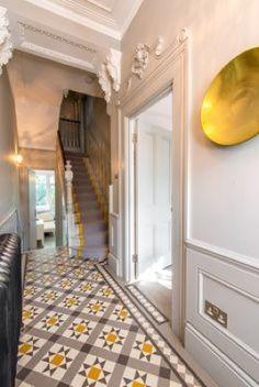 hallway flooring Ornate Edwardian or Victorian hallway with tiled floor Edwardian Hallway, Edwardian Haus, Victorian Terrace Hallway, Victorian Stairs, Victorian Terrace Interior, Hall Tiles, Tiled Hallway, Modern Hallway, Bright Hallway