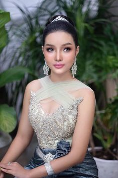 Wedding Outfits, Wedding Dresses, Traditional Wedding, Cambodia, Backless, Asian, Culture, Formal Dresses, Amazing