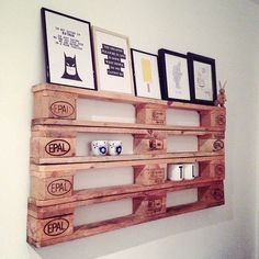 Break Down a Pallet the Easy way for Wood Projects - Woodworking Finest Pallet Furniture Designs, Wooden Pallet Furniture, Wooden Pallets, Rustic Furniture, 1001 Pallets, Wooden Pallet Crafts, Diy Pallet Projects, Wood Projects, Pallet Shelves