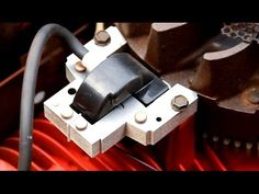 How to set / adjust the armature air gap on small engines such as lawnmowers. How to set the coil and magneto air gap on Briggs and Stratton engine. Lawn Mower Maintenance, Lawn Mower Repair, Chainsaw Repair, Lawn Equipment, Engine Repair, Diy Home Repair, Small Engine, Diy Pallet Projects, Lawn And Garden