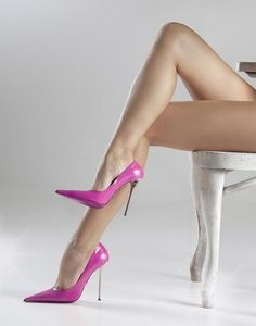 Sexy legs n heels Hot Heels, Sexy Legs And Heels, Sexy High Heels, High Heel Pumps, Pumps Heels, Stiletto Heels, Talons Sexy, Pernas Sexy, Louboutin
