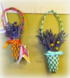 Lavender Weaving 101: Free tutorial for making lavender wands and lavender baskets.