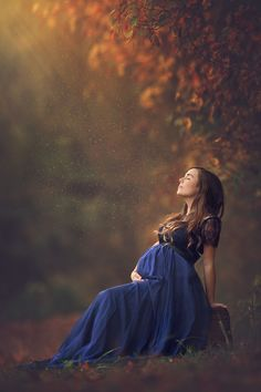 Stunning Outdoor Maternity Photoshoot Ideas ~ Outdoor Maternity photography has become very popular these days. Many pregnant women find it as a source of saving their beautiful pregnancy period in the form of pregnancy portraits and pictures.