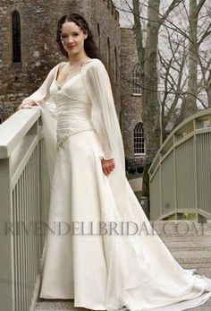 Lord of the Rings style wedding dress?! So cool! | Wedding ...