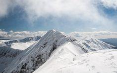Narrow ridge leading to Romania's highest summit: Moldoveanu / 8346 ft) Winter Mountain, Mountain Landscape, Landscape Photographers, Nature Photos, Romania, Mount Everest, Natural Beauty, Mountains, Travel