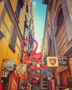 L'AMmore a Napoli #sunset #naples #love #lovestreet #sanvalentino #napoli #beautifulday #magiclight #twitter #instagood #cover #colorful #postcard #instapic #italy #followme #500px View my portfolio on http://ift.tt/xmAcR4