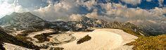 Valgermanasca_tramonto - La Val Germanasca è una delle laterali della Val Chisone. Questa valle piemontese meno conosciuta e frequentata offre paesaggi selvaggi e silenziosi, dove anche nelle giornate estive non si incontrano molte persone. In queste valli come in Val Chisone si parla la lingua occitana.