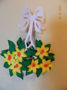 Origami, Spring Tree, Paper Stars, Spring Crafts, Handmade Flowers, Pre School, Paper Flowers, Bouquet, Paper Crafts