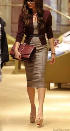 latest winter business outfits ideas for woman in your office 22 ~ thereds. - latest winter business outfits ideas for woman in your office 22 ~ thereds. Classy Work Outfits, Office Outfits, Casual Outfits, Work Casual, Casual Office, Office Wardrobe, Stylish Office, Office Chic, Casual Attire