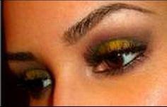 yellow dress purple makeup - Căutare Google