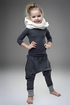 HAPPEAK girls Hoodie-scarf. White