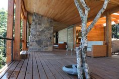 Casa en la Roca in Panguipuli, Chile by Iván Daiber