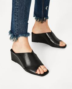 CROSSOVER LEATHER WEDGES