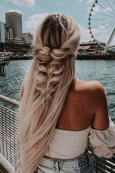 Hairstyles For Winter 48 Inspiring Long Hairstyles Ideas For Fine Hair Trends Fall And Winter 2018 Easy Hairstyles For Long Hair, Braids For Long Hair, Cool Hairstyles, Wedding Hairstyles, Beautiful Hairstyles, Braids For Wedding, Hairstyle Ideas, Female Hairstyles, Quinceanera Hairstyles