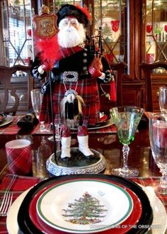 Modern Celtic Yuletide Centerpiece - Love it!...MR