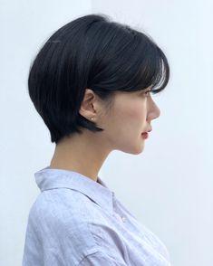 Chic Short Hair, Asian Short Hair, Androgynous Hair, Shot Hair Styles, French Chic, Pixie Haircut, Short Cuts, Hair Makeup, Hair Cuts