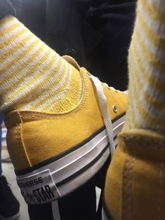 Imagem de yellow, converse, and aesthetic