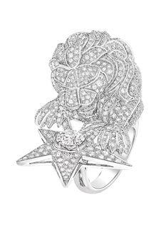 La bague Constellation du Lion de Chanel haute joaillerie http://www.vogue.fr/joaillerie/le-bijou-du-jour/diaporama/la-bague-constellation-du-lion-de-chanel-haute-joaillerie/18768/carrousel#la-bague-constellation-du-lion-de-chanel-haute-joaillerie