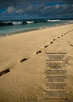 Re-minders.nl - Religieuze Poster - Voetstappen in het Zand
