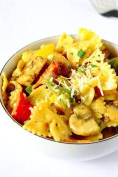 Jednogarnkowy makaron z kurczakiem cajun | Słodkie Gotowanie Sweet Cooking, Ravioli, Pasta Salad, Stew, Risotto, Noodles, Yummy Food, Lunch, Chicken