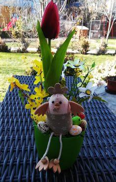 Tavaszi asztaldísz kaspóban pipivel Tavaszi dísz méretei: szélessége 15 cm, magasság 35 cm Mindegyik saját készítésű, minden része szárított, így akár évekig az otthon éke lehet. Minden díszből csak 1 db készült. Ezeket biztonságosan postázni is tudom, személyesen pedig Szigetszentmiklóson és környékén vehetőek át. A többi dísz megtekintéséhez kattints a képre. Minden, Teddy Bear, Toys, Animals, Activity Toys, Animales, Animaux, Clearance Toys, Teddy Bears