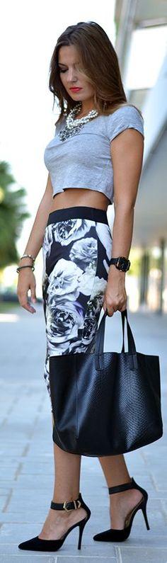 Printed Pencil Skirt♥✤ | KeepSmiling | BeStayBeautiful     Love the skirt!  Wide black elastic, novelty print.