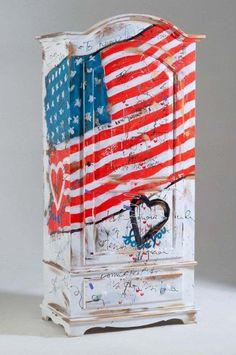 armadio dipinto con bandiera americana lifestyle.jpg (510×768)