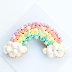 This fun cookie cake is perfect for any Birthday. Made of d… Rainbow cookie cake! This fun cookie cake is perfect for any Birthday. Made of delicious vanilla bean sugar cookie and vanilla bean Italian meringue buttercream. Cupcakes Arc-en-ciel, Cookies Cupcake, Fun Cookies, Birthday Cupcakes, Cookie Cakes, Lemon Cupcakes, Strawberry Cupcakes, Decorated Cookies, Rainbow Cookie Cake