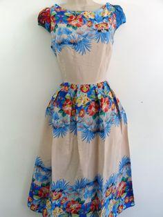 Floral tea dress.