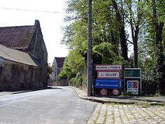 Commanderie de Puiseux (L'entrée du village avec le pignon du logis de la ferme du Temple), Île-de-France, France
