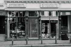 Buchhandlung & Antiquariat Dr. Robert Wohlers & Co, Lange Reihe 68, Hamburg.  Photo © Ralf Zeigermann