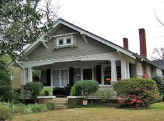 Craftsman style bungalow, Mobile, Alabama - Love craftsman or mission style homes. Craftsman Bungalow Exterior, Bungalow Homes, Craftsman Style Homes, Craftsman Bungalows, Craftsman Porch, Craftsman Cottage, Ranch Homes, Craftsman Kitchen, Style At Home