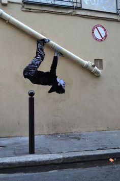 Si tu as envie de faire du sport en ville, je te donne un bon tuyau... / By Levalet.