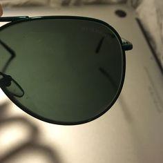 Burberry sunglasses Green aviators, foldable glasses. Accessories Sunglasses