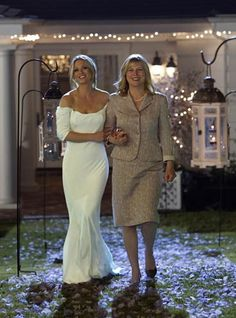 criminal minds wedding; this dress I'm in love with! Simple and beautiful