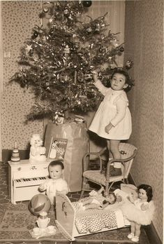 Christmas Morning. Wow! I guess many of us OLDER hippies can relate to this pic!!! Looks soooo much like me on Christmas Morning!!! Oh, what priceless Memories<3
