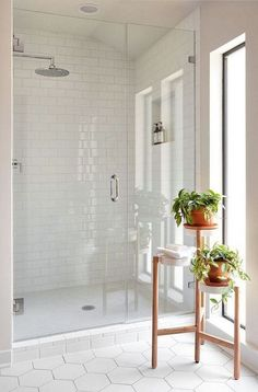 7 Unique Bathroom Tiles Ideas (Show Your Personality!) - - 7 Unique Bathroom Tiles Ideas (Show Your Personality!) Bathroom Design Inspiration We've assembled a list of functional yet stylish bathroom tiles ideas to help inspire you. Bathroom Floor Tiles, Bathroom Layout, Bathroom Cabinets, Bathroom Mirrors, Shiplap Bathroom, Tile Floor, Bathroom Faucets, White Subway Tile Bathroom, Concrete Bathroom