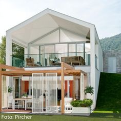 Moderne Terrasse mit Sichtschutz Pergola Canopy, Gazebo, Style At Home, Pergola Designs, Outdoor Spaces, Tiny House, Terrace, Porch, Home And Garden