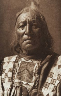 Short Log - Two Kettle [Sioux] (The North American Indian, v. III. Cambridge, MA: The University Press, 1908)