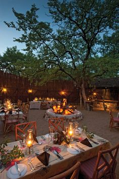 Open to the Kruger National Park and playing host to Africa's Big Five is Motswari Private Game Reserve. Farm Restaurant, Outdoor Restaurant, Safari Wedding, Safari Party, African Interior Design, African House, Game Lodge, Resorts, Private Games