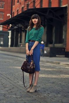 101 Simple Fall Outfit Ideas You'll Love » Lady Decluttered Denim Skirt Outfit Winter, Denim Skirt Outfits, Denim Skirts, Denim Dresses, Modest Outfits, Modest Fashion, Fashion Outfits, Fashion Tag, Paris Fashion