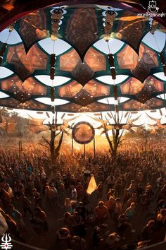 festival Bolivia via ozora Raves, Favourite Festival, Psy Art, Trance Music, Festivals Around The World, Festival Decorations, Stage Design, Psychedelic Art, Land Art