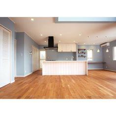 アンティーク・ブルーグレーな家 | イエタテ [新築住宅情報サイト] Future Office, Room Interior, Dorm, Condo, House Design, Living Room, Outdoor Decor, Kitchen, Home Decor