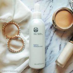 Sumpah Nu Skin NaPCA ... Ngeselin Banget ..!! Beauty Make Up, Hair Beauty, Galvanic Spa, Nu Skin, Mists, Moisturizer, Perfume Bottles, Makeup, Pretty