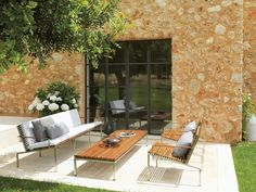 Modern outdoor furniture built to exacting standards & shipped worldwide. Call for our patio furniture catalog or visit our showroom. Furniture Catalog, Art Furniture, Indoor Outdoor, Outdoor Living, Outdoor Decor, Modern Outdoor Furniture, Modern Patio, Sofa Home, Home D